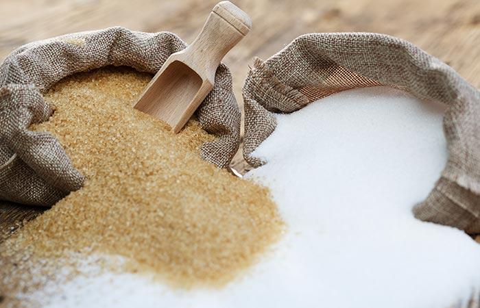 8. Castor Oil And Sugar Scrub For Stretch Marks