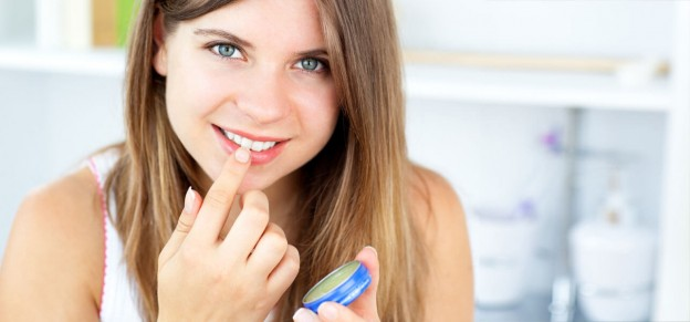 How-To-Use-Coconut-Oil-As-Lip-Balm