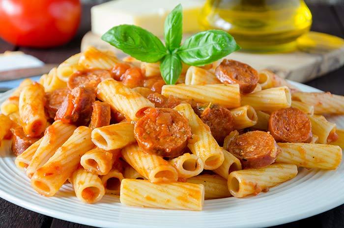 Pasta With Tomato And Sausage