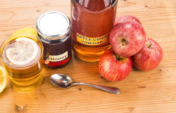 1. Apple Cider Vinegar And Lemon Drink