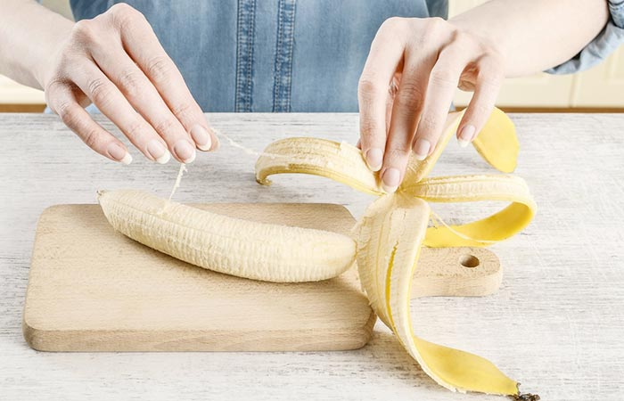 1. Rub Banana Peel On The Affected Area