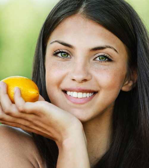 7 Ways In Which Lemon Helps Hair Growth