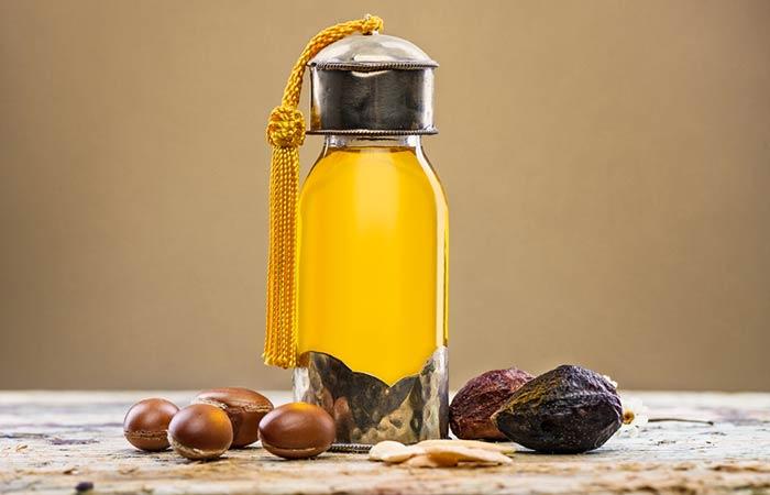 Castor Oil For Treating Dandruff - Castor Oil And Argan Oil