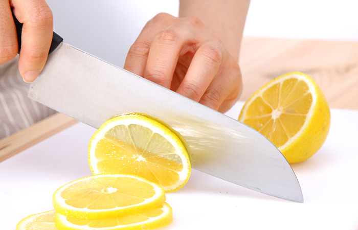 How-To-Prepare-Lemon-Water
