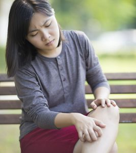 Itchy Lower Legs – Causes And Treatment