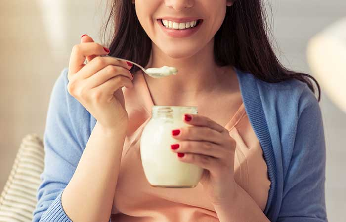 Home Remedies To Stop Vomiting During Pregnancy - Yogurt