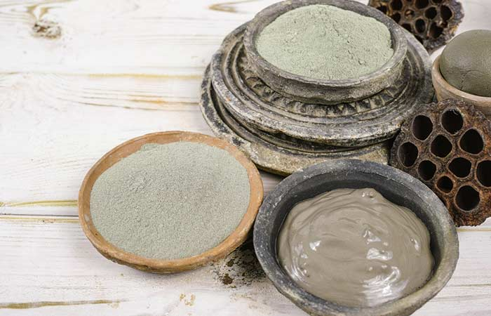 2. Oatmeal, Almond, And Clay Face Pack