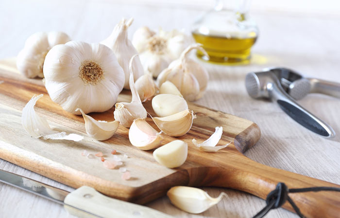 Get Rid Of White Spots On Fingernails - Garlic