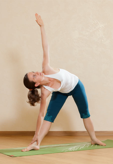 Effective-Morning-Yoga-Poses-To-Give-You-An-Energetic-Start1
