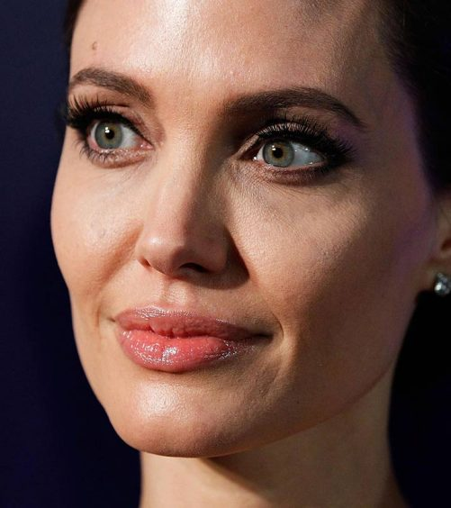 5 Celebrities With Tattooed Eyebrows