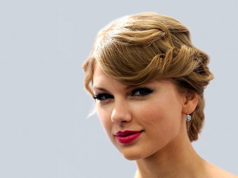 4578-10-Stunning-Taylor-Swift-Updo-Hairstyless