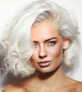 8 Must-Try Toners To Maintain White Hair – With Reviews