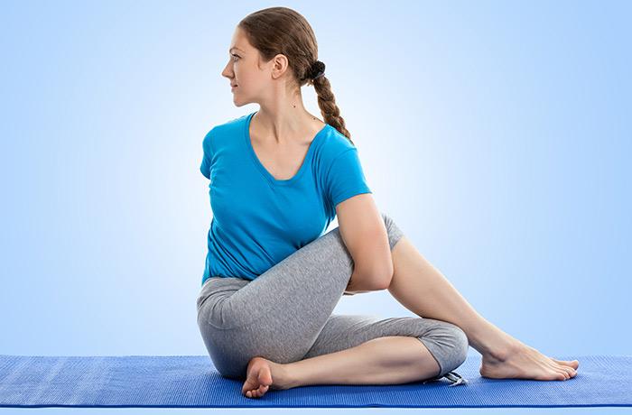 Seated Spinal Twist Pose (Ardha Matsyendrāsana)