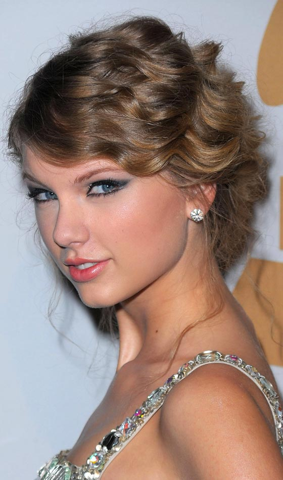 10 Beautiful Side Swept Updos To Try Today