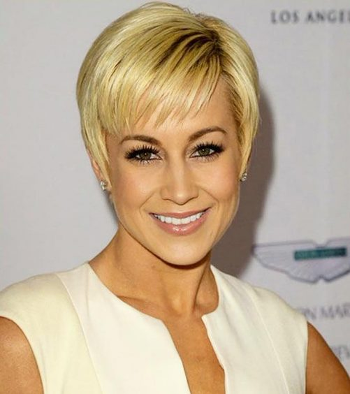 10-Trendy-Short-Hairstyles-With-Bangs