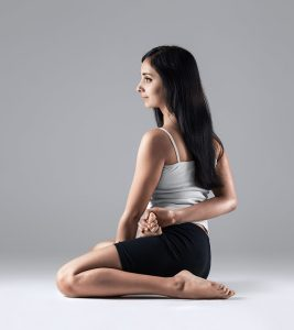 5 Best Yoga Asanas To Treat Ovarian Cysts