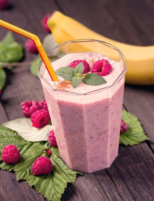 5. Vegan Raspberry-Banana Protein Shake (Protein – 7.81 g)