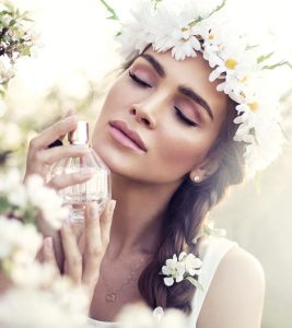 7 Best Natural Perfumes For Women