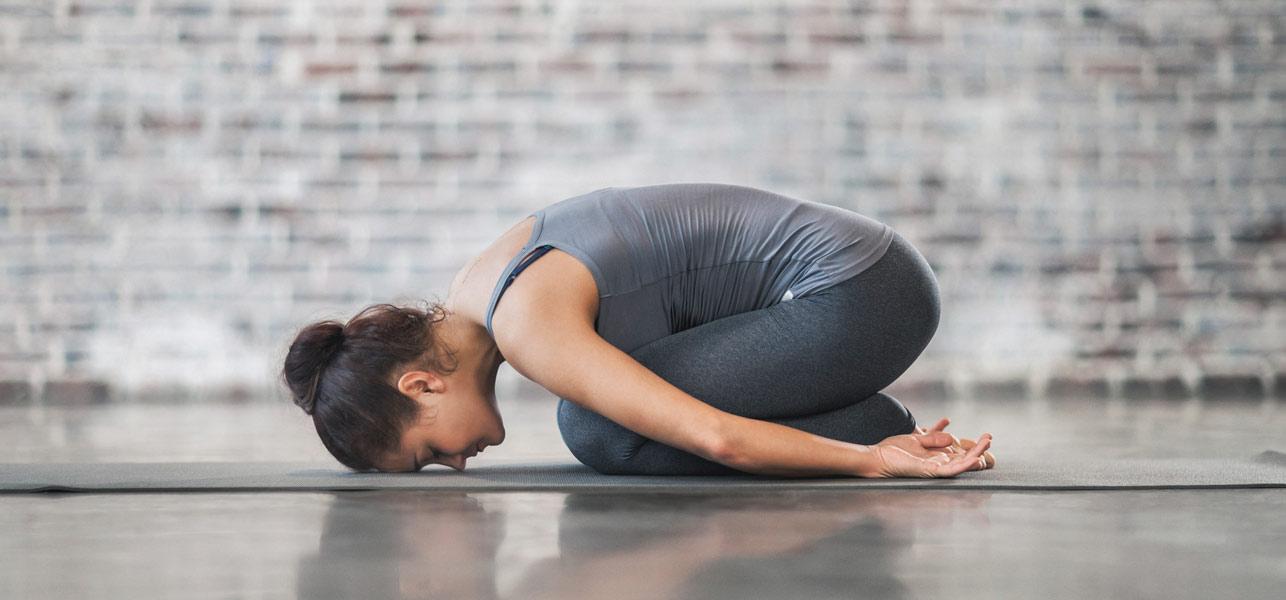 7-Comforting-Yoga-Asanas-That-Will-Help-You-Deal-With-Vertigo