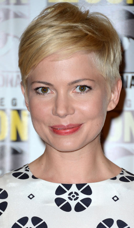 10 Trendy Short Straight Hairstyles You Need To Try Right Now
