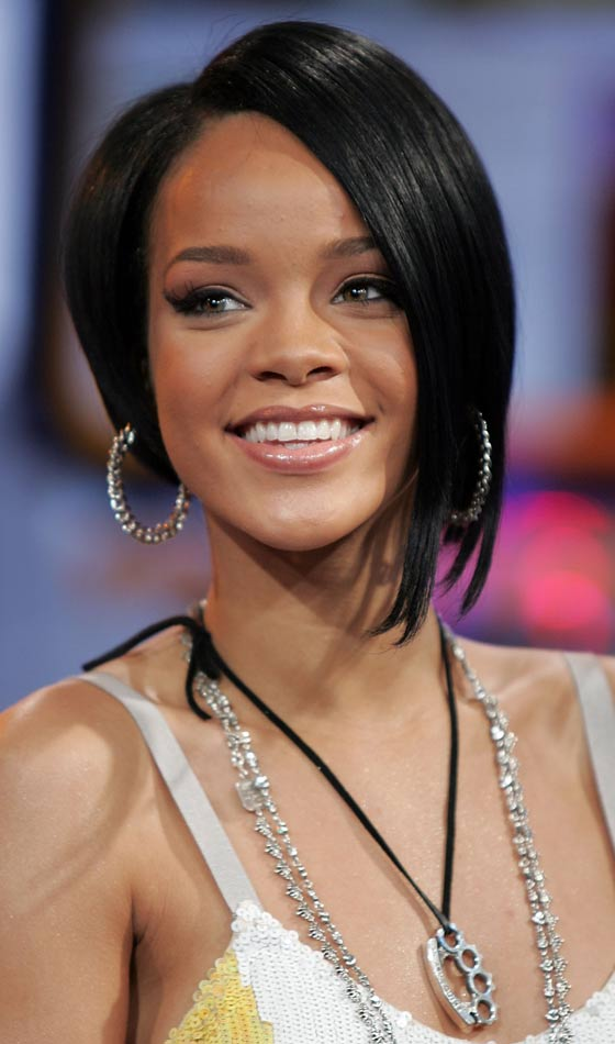 10 Trendy Rihannas Short Hairstyles