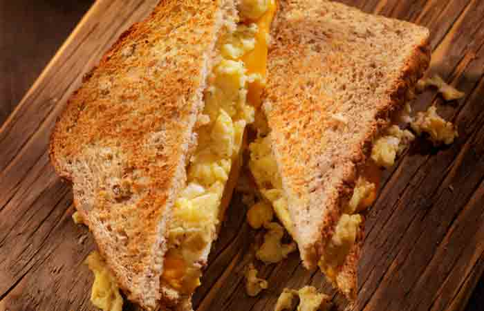 Cheesy-Egg-Sandwich