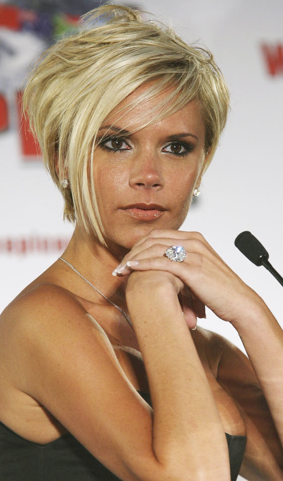 Victoria Beckham With Blonde Hair 103