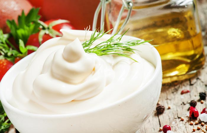 5.-Olive-Oil-And-Mayonnaise-Hair-Mask