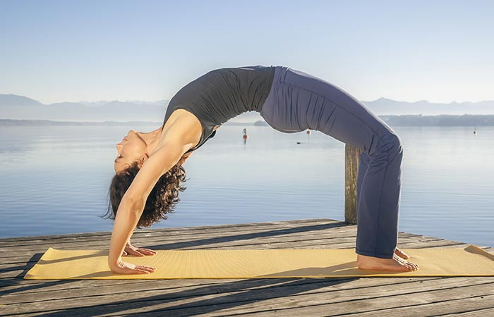 8-Challenging-Asanas-That-Will-Help-You-Detox-Your-Mind-And-Body5