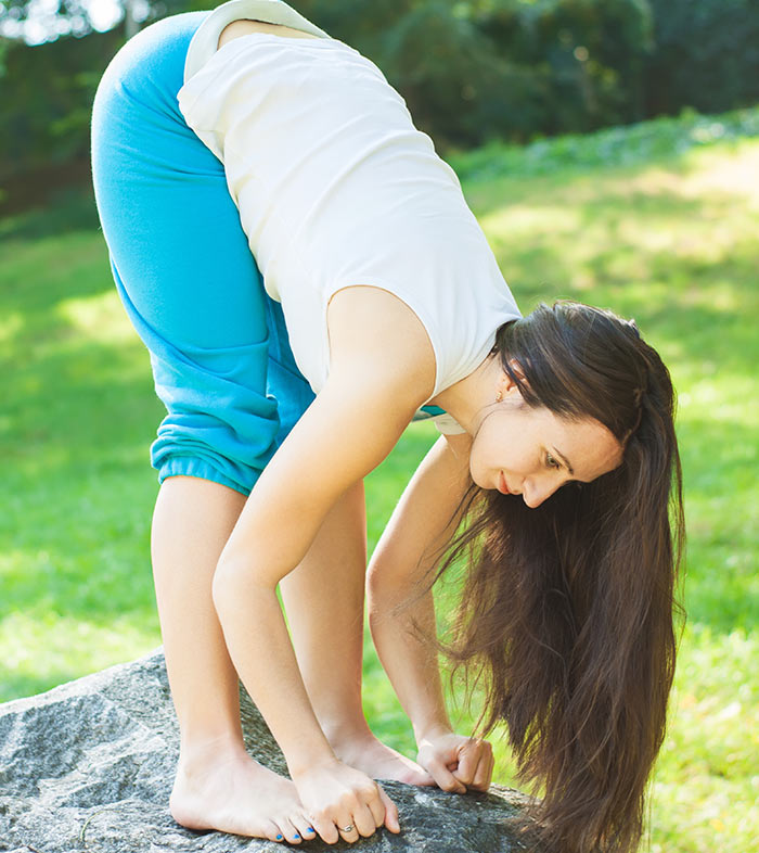 8-Simple-Asanas-That-Will-Help-You-Get-Rid-Of-A-Headache-In-A-Jiffy9