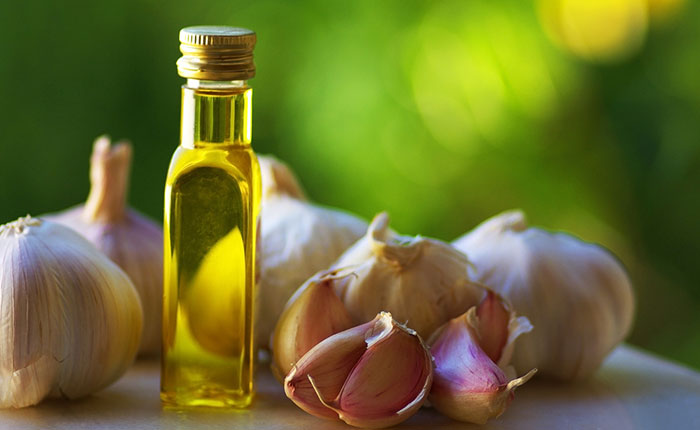 Garlic Oil For Clogged ears
