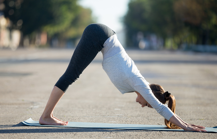 oga-Asanas-That-Will-Relieve-You-Of-Those-Dreaded-Migraines4