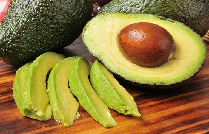 1. Avocado And Olive Oil For Dry Hair