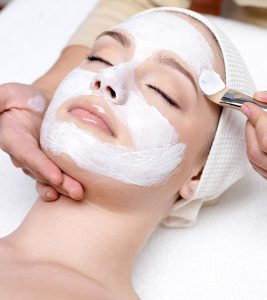 16 Best Facial Kits for Glowing Skin Available in India