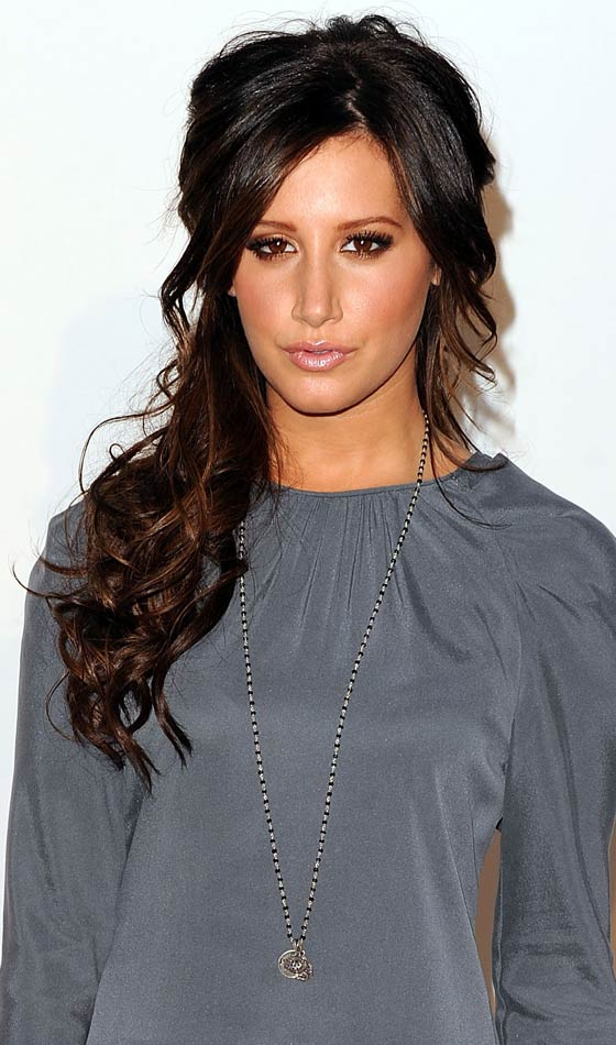 Curly-Side-Ponytail - Homecoming Hairstyles