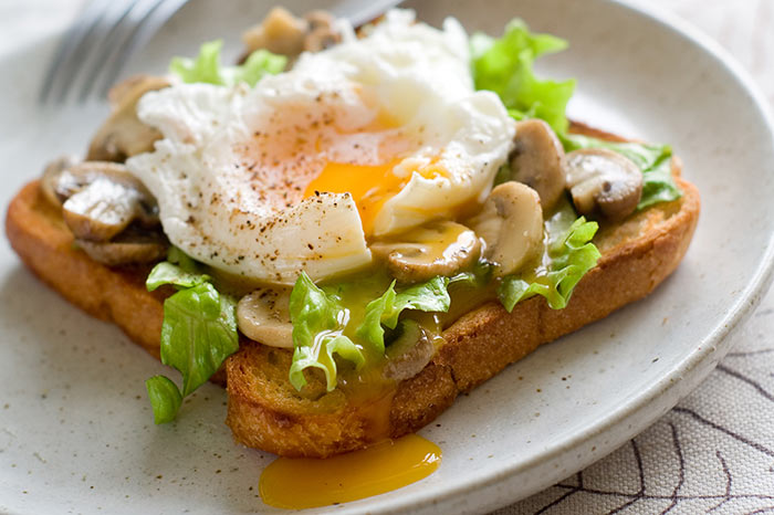 Egg Recipes For Dinner - Leeks And Mushrooms On Cheesy Toasts With Fried Eggs