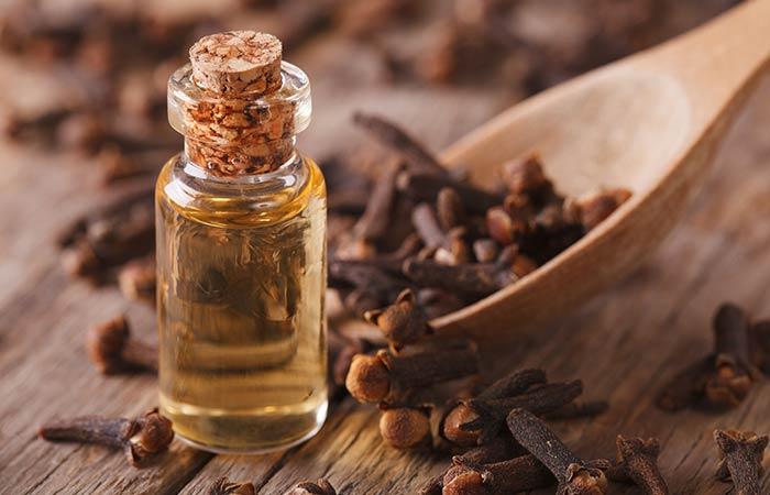 1. Clove Oil For Acne
