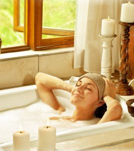 5 Amazing Benefits Of Castor Oil Bath
