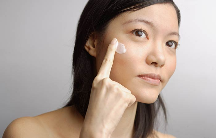 4. Tea Tree Oil Moisturizer For Blackheads