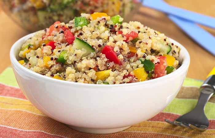 Light Food Recipes - Quinoa Salad to Burn Fat