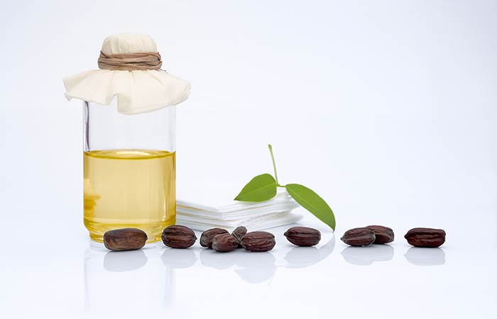 5. Jojoba And Tea Tree Oil For Blackheads