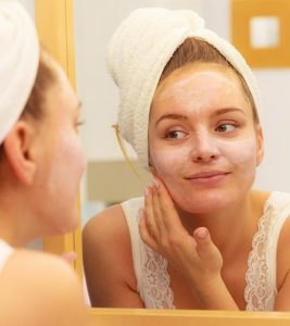 How To Apply Sunscreen While Wearing Makeup