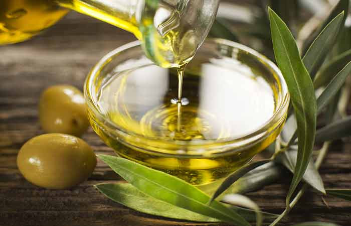 olive-oil to eliminate Head Lice - How To Use Olive Oil For Head Lice