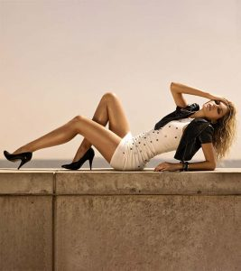 5 Superb Ways That Can Help You Get Celeb-Like Smooth Legs