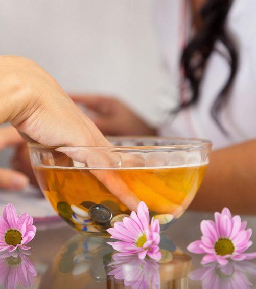 Amazing-Benefits-Of-Hot-Oil-Manicure