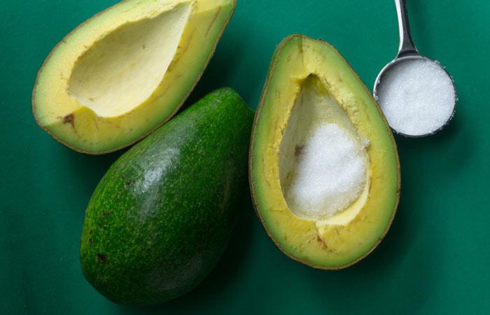 Bicarbonato de sódio e abacate