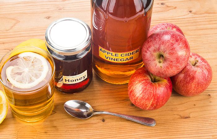 Honey,-Lemon-Juice,-And-Apple-Cider-Vinegar-For-Cough