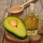 How-To-Use-Avocado-Oil-For-Acne---3498