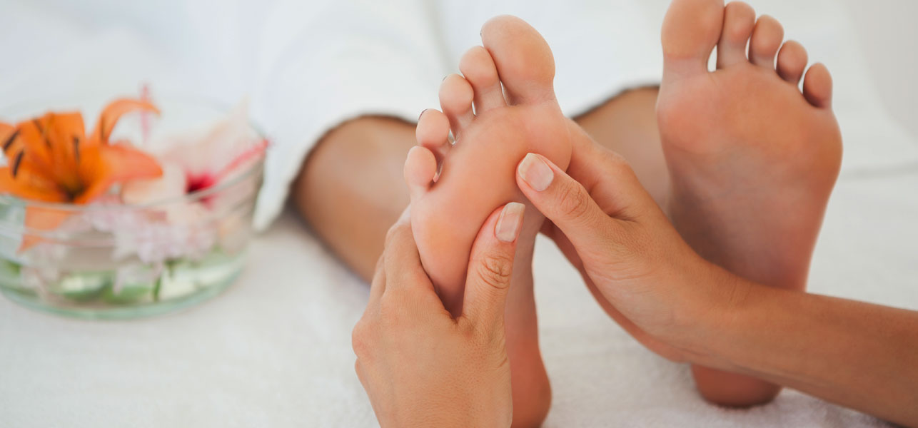 Reasons You Should Massage Your Feet Every Night