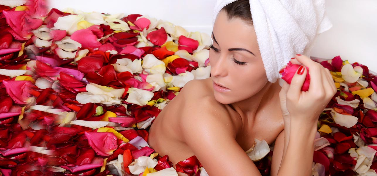 Rose Water To Treat Dry Skin